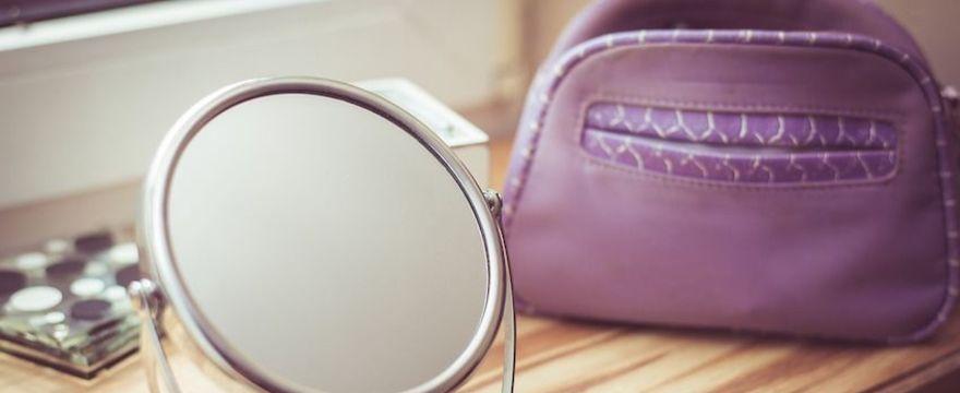 Kosmetyczka mamy: 8 rzeczy z apteki, które zastąpią drogie kosmetyki