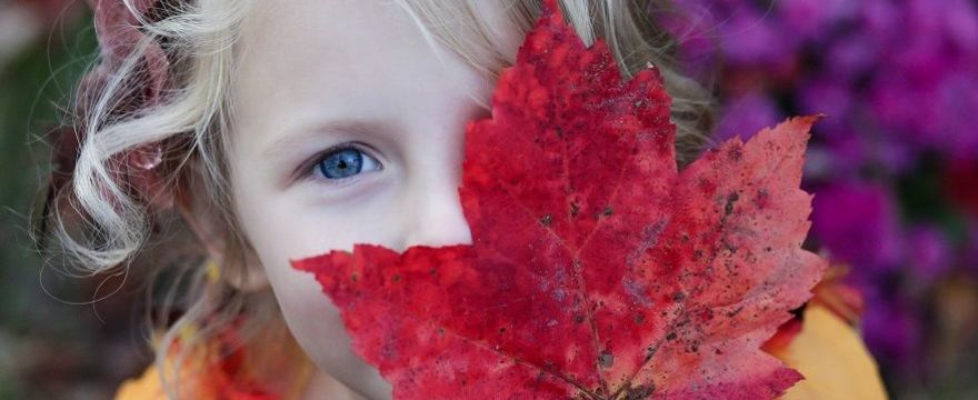 WYPRÓBUJ: 5 sposobów Montessori na wyrażenie uczuć do dziecka