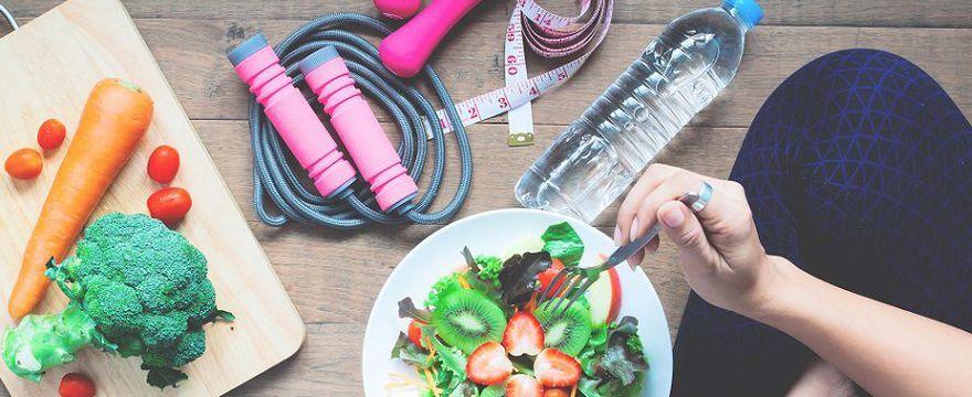 DIETETYK: Co trzeba jeść, żeby mieć energię na sport?