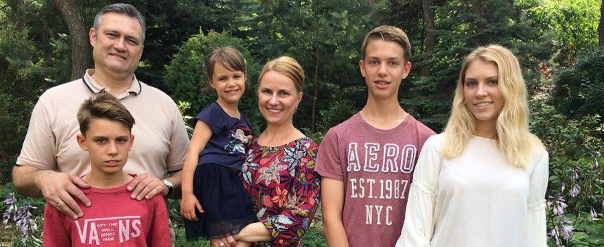 Siła w rodzinie, zwłaszcza wielodzietnej! – WYWIAD z Ewą Sadkowską