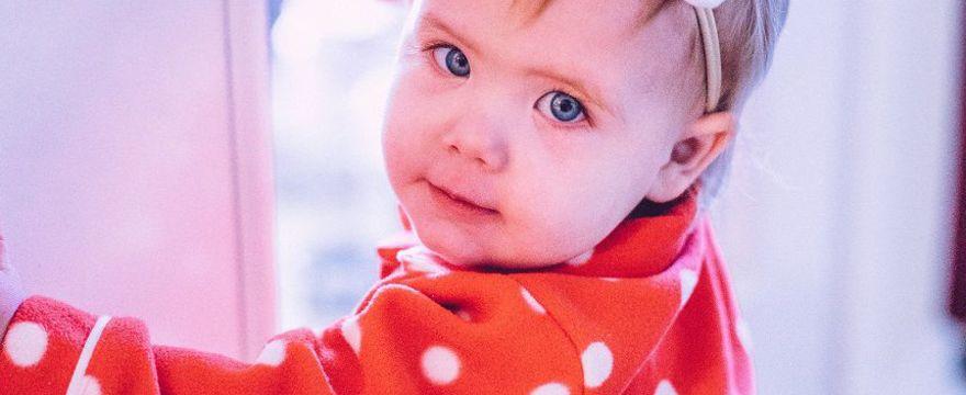 Jak ubrać niemowlę przy 20 stopniach? Porady Mamy
