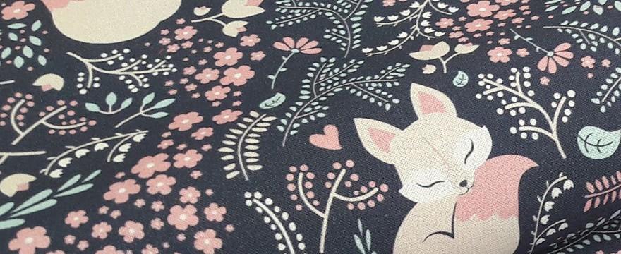 Tkaniny bawełniane i tkaniny bambusowe. Które z nich są lepsze dla dzieci?