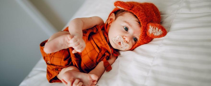 Brak wytycznych epidemicznych dla żłobków: czy rodzice mogą zostawiać dzieci z gorączką?