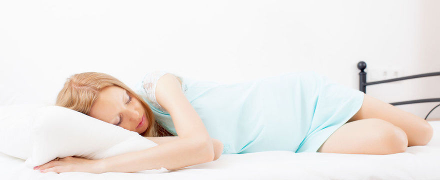 Najlepsza pozycja do spania w ciąży: czy taka istnieje?