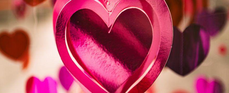 TOP 10 Miłosne i inspirujące cytaty na walentynki