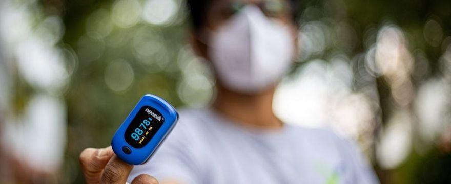 Pulsoksymetr - jak stosować? Instrukcja obsługi i rady Ministerstwa Zdrowia