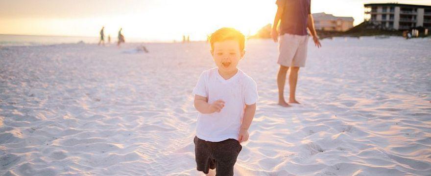 Dziecko w upale: jak je chronić?
