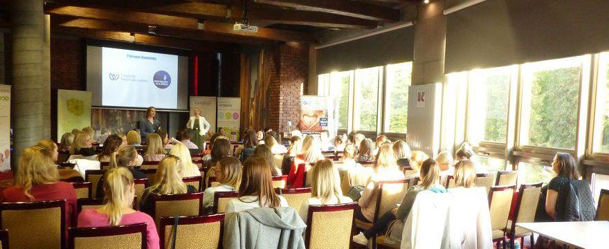 """Białystok: duże zainteresowanie bezpłatnymi warsztatami dla kobiet w ciąży """"Przygoda z macierzyństwem"""""""