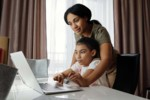 Jak wybrać laptop dla ucznia? Najważniejsze cechy