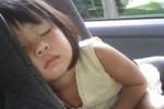 Nie zostawiaj dziecka w aucie! Zobacz FILM! Przewożenie dzieci w samochodzie NAJWAŻNIEJSZE ZASADY