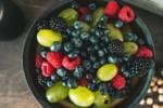 Jakich witamin potrzebują dzieci? W których sezonowych owocach i warzywach znajdziesz ich najwięcej?