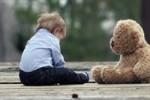 9 miesiąc życia: nowe umiejętności niemowlaka. Kalendarz rozwoju dziecka