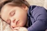 Jak uśpić niemowlaka: sposoby na bezstresowe zasypianie