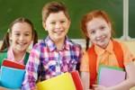 Wypadki w szkołach: jak wybrać najlepsze ubezpieczenie dla ucznia? Na co zwracać uwagę?
