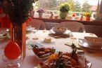 Wiosenne śniadanie z wiosną za oknem...