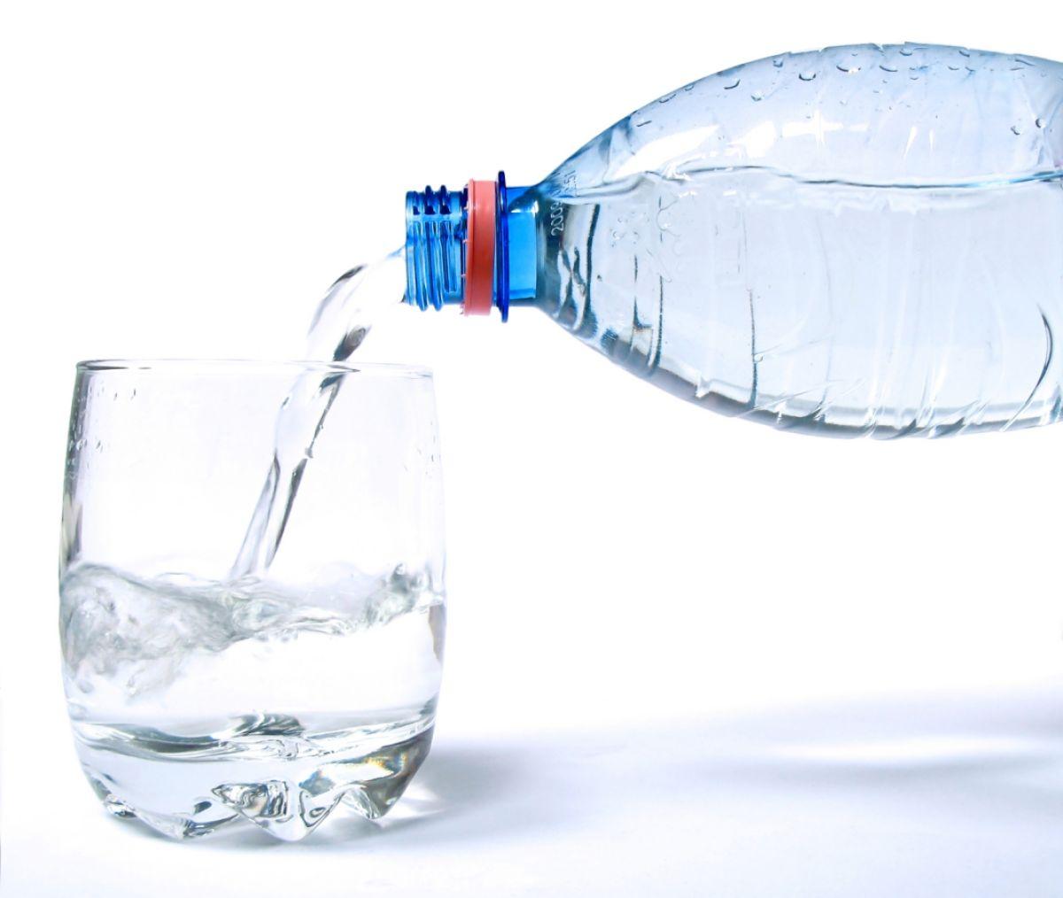 Znalezione obrazy dla zapytania pijmy wode