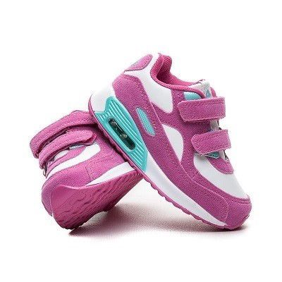 a4cc2865b Na wiosnę najlepiej wybierać obuwie sportowe, które będzie odpowiednio  sprężyste. Sprężystość buta sprawdzisz, wyginając do delikatnie dłonią i  mierząc czas ...