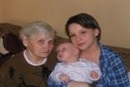 Ja z babcią, a Julka z prababcią Marysią!Zdjęcie z pierwszą prawnusią