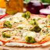 Pizza z brokułami i sosem czosnkowym