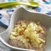 Pełnoziarniste wspólne śniadanko - Pomysł na pełnoziarnistą kaszkę orkiszową z melonem i chrupkami – dla dorosłych, dzieci i niemowląt już po 8 mc