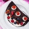 Naleśniki czekoladowe z truskawkowym dżemem Łowicz